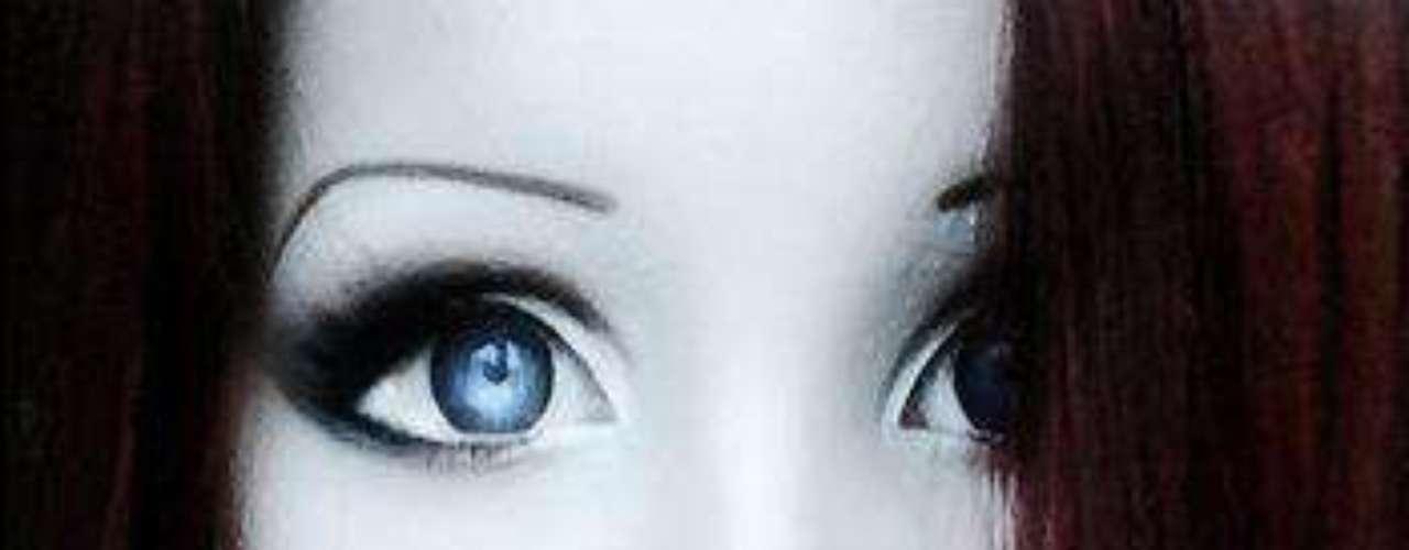 La joven tiene una cuenta en Facebook donde postea fotografías y videos donde muestra algunos tutoriales para maquillarse.