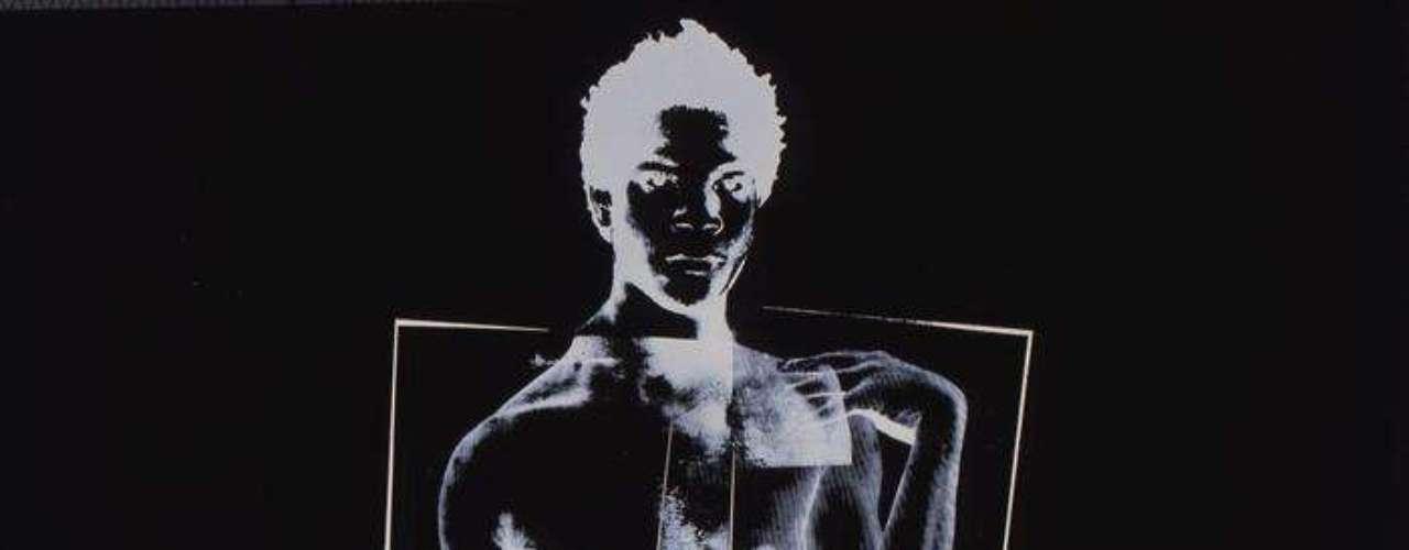 'Jean Michel Basquiat' - La exposición está dividida en cinco ejes temáticos, empezando con la fascinación de Warhol por la publicidad gráfica y la representación en la prensa de tragedias resumida bajo el título \