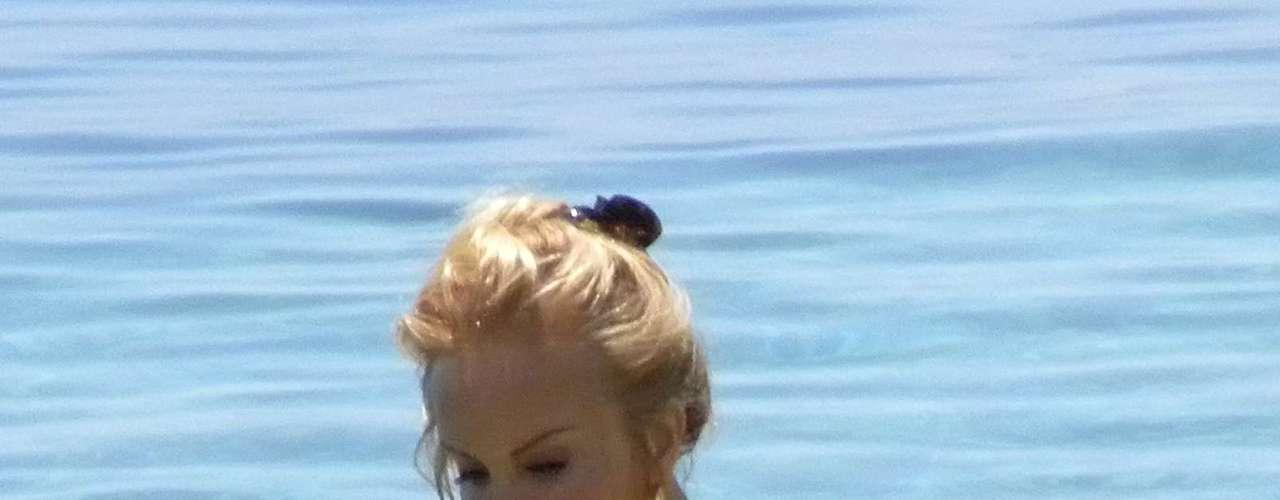 El primer 'topless' de Carmen Lomana en Marbella también acabó siendo portada de más de una revista del corazón. Desde aquel verano, estas imágenes se han repetido en años sucesivos.