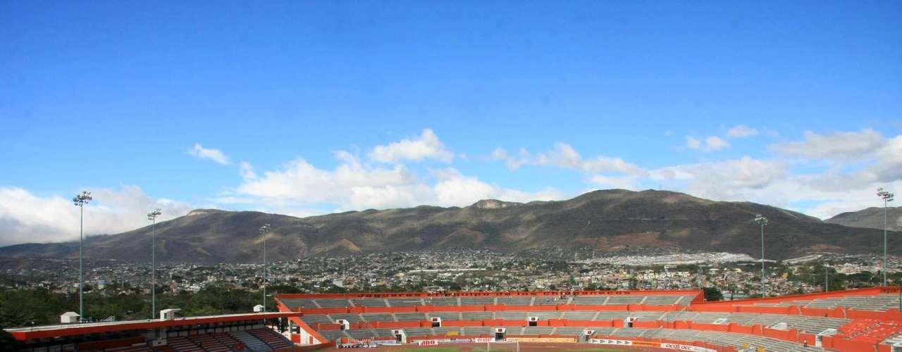 VICTOR MANUEL REYNA: Built in 1982 to hold 6,000 fans it was remodeled in 2002 to receive first division games and now holds 31,500 fans as the venue for Chiapas.