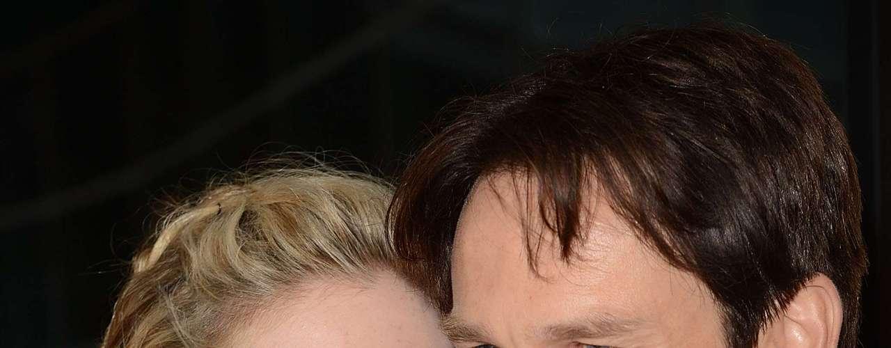 Anna Paquin junto con el actor Stephen Moyer fueron padre de gemelos a principios de septiembre. Esta pareja se suma a las tantas otras de Hollywood que han tenido gemelos, ya sea de manera natural o a través de  los avances científicos.
