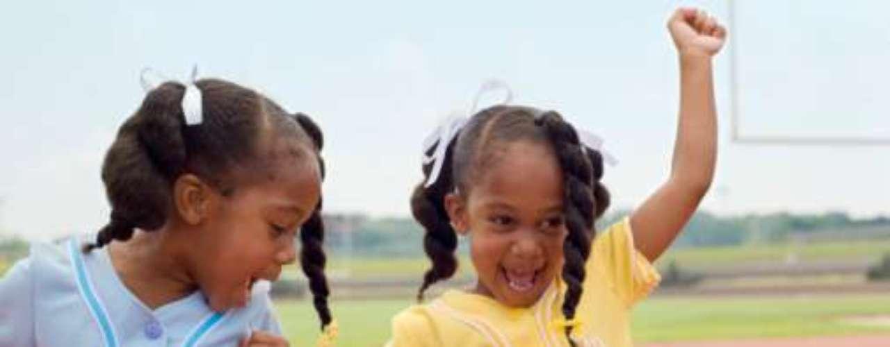 La tasa de nacimiento de gemelos aumentó en más de dos puntos porcentuales por año en promedio de 1980 a 2004. Luego se redujo a un punto porcentual anual y volvió a aumentar a casi dos puntos porcentuales en 2008 y 2009 en EE.UU.