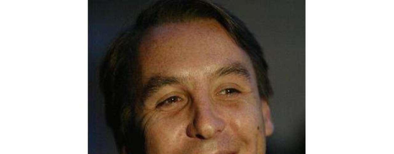 El dueño de Televisa, Emilio Azcárraga, tiene cerca de 2 mil millones de dólares, que le permitieron anclar en un puerto asiático a \