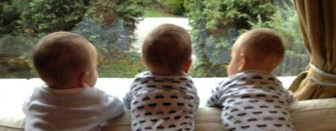 Inés Gómez Mont está muy orgullosa de sus trillizos. La conductora publicó en Twitter una foto de sus bebés, que están cada día más grandes y hermosos. \