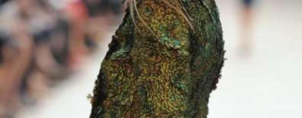 Te contamos las propuestas de los diseñadores en la Semana de la Moda de Londres, para que estes al tanto de lo que es y será tendencia. El bolso-cartera con candado de Burberry Prorsum es un complemento ideal tanto para un outfit de fiesta como para un estilo más casual.