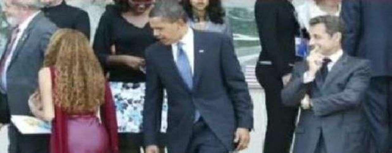 Sarkozy, Obama, y la brasileña: Los presidentes de EU y Francia fueron pillados observando a una chica brasileña en plena cumbre del G8. Se trataba de Mayora Tavares, de 16 años. La imagen le dio la vuelta al mundo, se encuentra en varios blogs y se ha distribuido en diferentes redes sociales de internet.