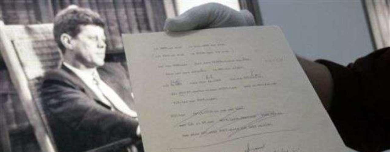 JFK: ¿Soy una dona de jalea?: El 26 de junio de 1963, en un discurso ante 120 mil ciudadanos de Berlín, el Presidente John F. Kennedy declaró Ich bin ein Berliner, que en su traducción más exacta quiere decir: Soy una dona de jalea (berlinés) . En realidad lo que quería decir es: \