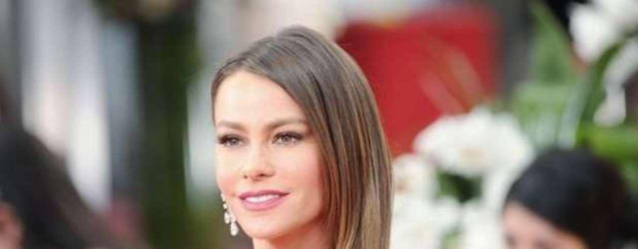 Por tercera vez, Sofía Vergara es nominada a los Emmy Awards por su personaje de Gloria en 'Modern Family'. El próximo 23 de septiembre se sabrá si la colombiana se lleva el galardón a Mejor Actriz de Reparto en la edición número 64 de los premios más importantes de la televisión estadounidense. Estas son las razones por las que la barranquillera debería ganar este reconocimiento.