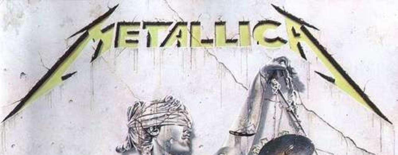 5. Metallica - '. . . And Justice for All'. Cuarto álbum de estudio de la banda estadounidense publicado el 25 de agosto de 1988. '...And Justice for All' fue el primer disco que se grabó con el bajista Jason Newsted, quien fue reclutado por la banda luego de la muerte de Cliff Burton. Metallica sabía que 'One' merecía ser escuchado por un público más amplio, y por ello se apoyó en la maquinaria de videos de MTV. La canción habla de los horrores de la guerra, por lo que los directores Bill Pope y Michael Salomon tomaron escenas de 'Johnny Got His Gun' de 1971 y la insertaron en el clip.
