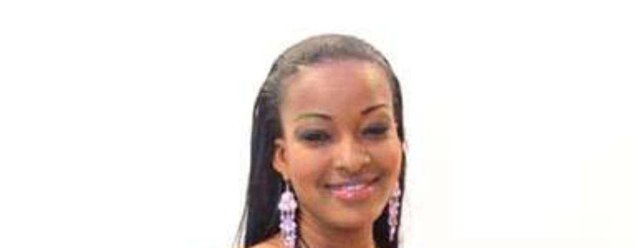 Miss Costa de Marfil - Marie-Josée Ouattara. Nació en Abidjan en octubre de 1994.  Es estudiante de primer año de Gestión de Ventas en PIGIER CI. Mide 1.71 metros de estatura. Su cabello es negro y sus ojos marrones.