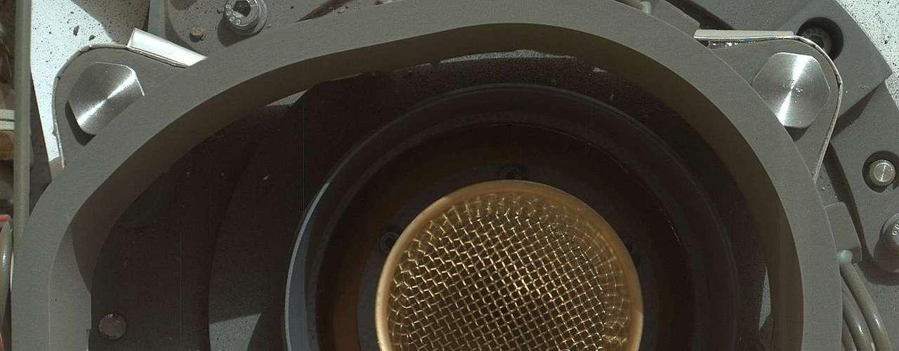Detalle de uno de los receptáculos empleados para guardar y analizar las rocas encontradas en la superficie de Marte.