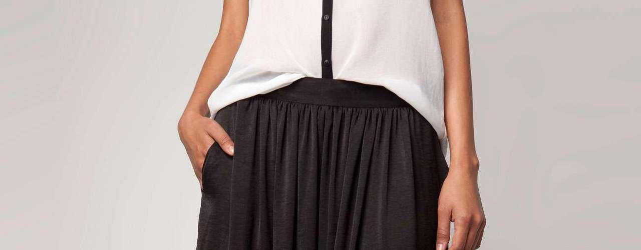 Las faldas largas agregan elegancia y porte a cualquier look.  Son piezas súper cómodas, que son fáciles de combinar dependido de la ocasión, una chaqueta de cuero puede ser ideal para un look informal y casual, se pueden usar con un  blazer o un abrigo corto para una cena formal.