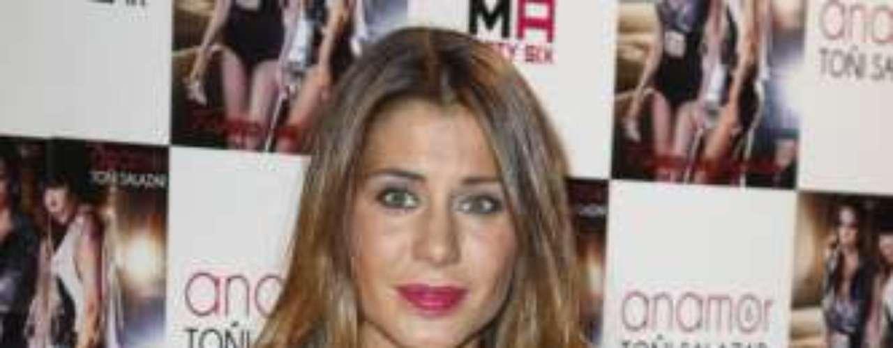 Elena Tablada fue otra de las invitadas a la fiesta de presentación que tuvo lugar en la discoteca Moma. Muy bronceada, la ex de Bisbal acudió sin su novio, Daniel Arigita.