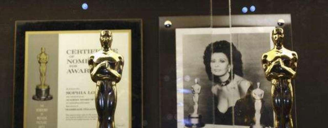 Los dos Óscars ganados por Sophia Loren también fueron mostrados en la exposición de Roma de 2006.