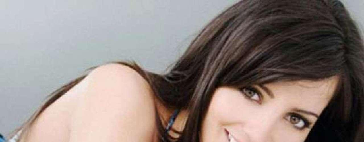 Miss Nueva Zelanda - Talia Bennett. Nació en Shore en el año de 1986. Se graduó en la Universidad de Auckland con el título de propiedad y es instructora de Body Combat certificada por Les Mills Mide 1.73 metros de estatura. Su cabello es negro y sus ojos verdes.