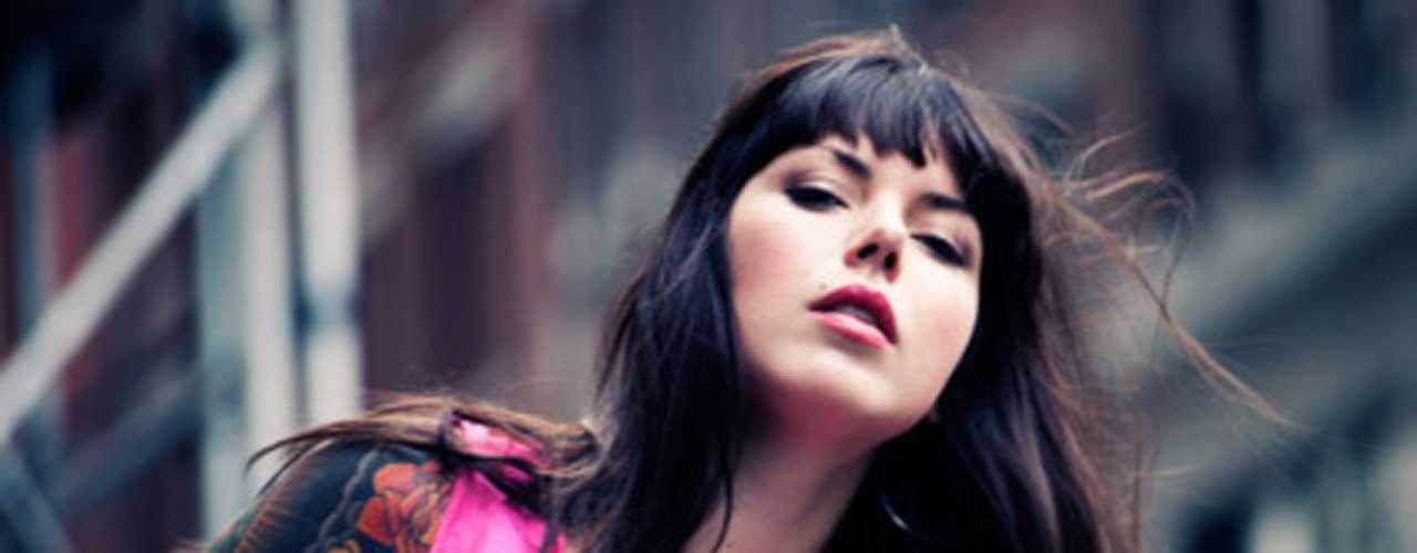 Alexis Craus es la vocalista del dúo Sleigh Bells, otra propuesta para la primer jornada del festín que por primera vez durará dos días. En 2008 se formaron y poco a poco se han posicionado en el gusto del público gracias a la difusión de su música a través del internet.