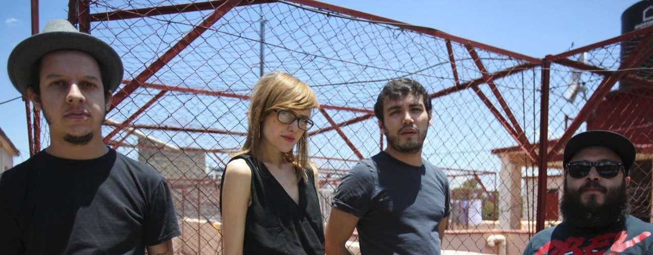 Hello Seahorse! representa el talento mexicano en la tercera edición del Corona Capital. La banda liderada por Denisse Gutierrez probablemente toque temas de su nuevo disco, 'Arunima'.