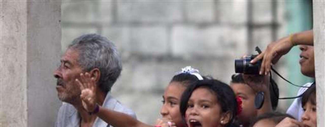 La marcha en Caracas aparenta ser parte de los posibles cambios en la campaña oficialista, que le inyectaría brevedad y rapidez a las apariciones del locuaz gobernante, mientras se organizarían actos paralelos en otras ciudades, según versiones publicadas por la prensa.