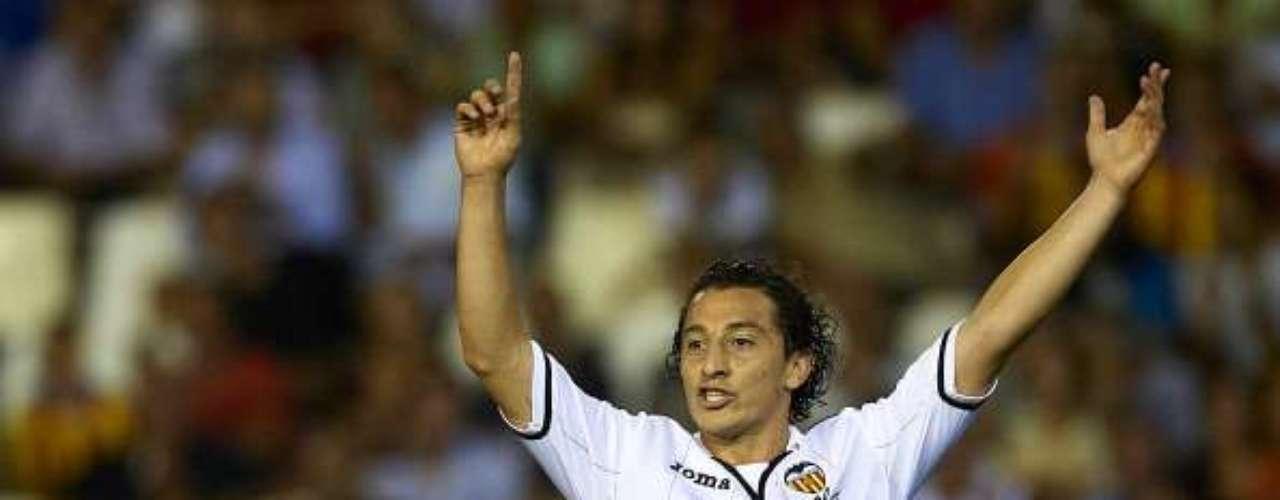 Andrés Guardado disputó los 11 minutos en la derrota(2-0)  del Valencia en Mallorca; poco pudo hacer.