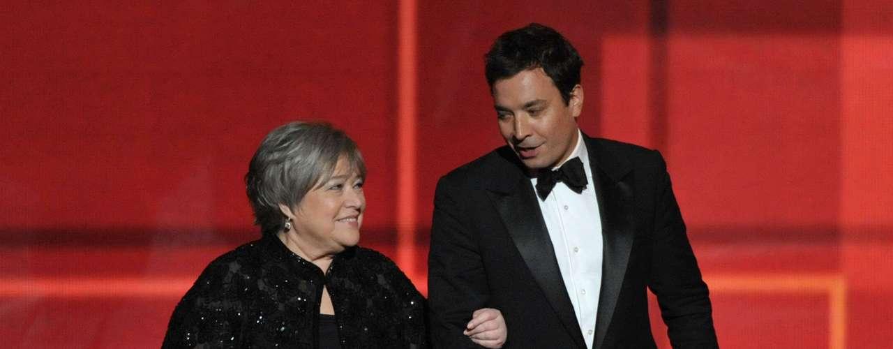 Kathy Bates y Jimmy Fallon ya habían ganado en los EMMYS creativos, el pasado sábado, sus premios como Mejores Actores Invitados en una serie de comedia.
