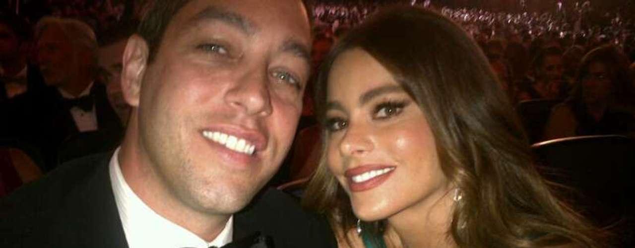 Sofía Vergara disfrutó la noche de los Emmy en compañía de su prometido Nick Loeb. A pesar de que no ganó el Emmy, la colombiana celebró a lo grande el triunfo de \