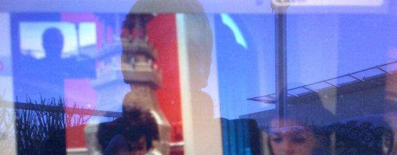 Cristian Castro está lejos de sus hijos Simone, de siete años y Mikhail Zaratustra, de casi cinco, pero siempre los ven a través de videos en Internet. El cantante publicó una imagen de los niños, frutos de su relación con Valeria Liberman, tomando clases de piano... \