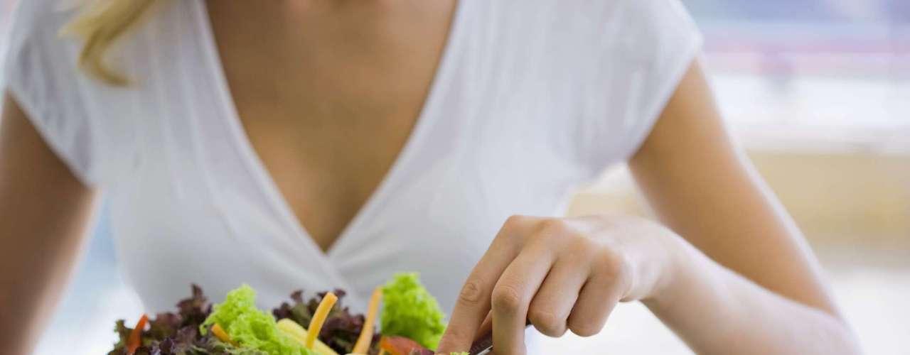 ¿Pueden comerse crudos? Los alimentos vegetales sí. La única diferencia es la ventaja de no tener ningún pesticida.