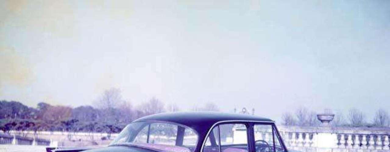 En sus comienzos, el Skyline era un modelo creado por la compañía nipona Prince Motor, que comenzó a producirlo en 1955. En 1966, la empresa fue comprada por Nissan y la historia de este vehículo empezó a engrandecerse.