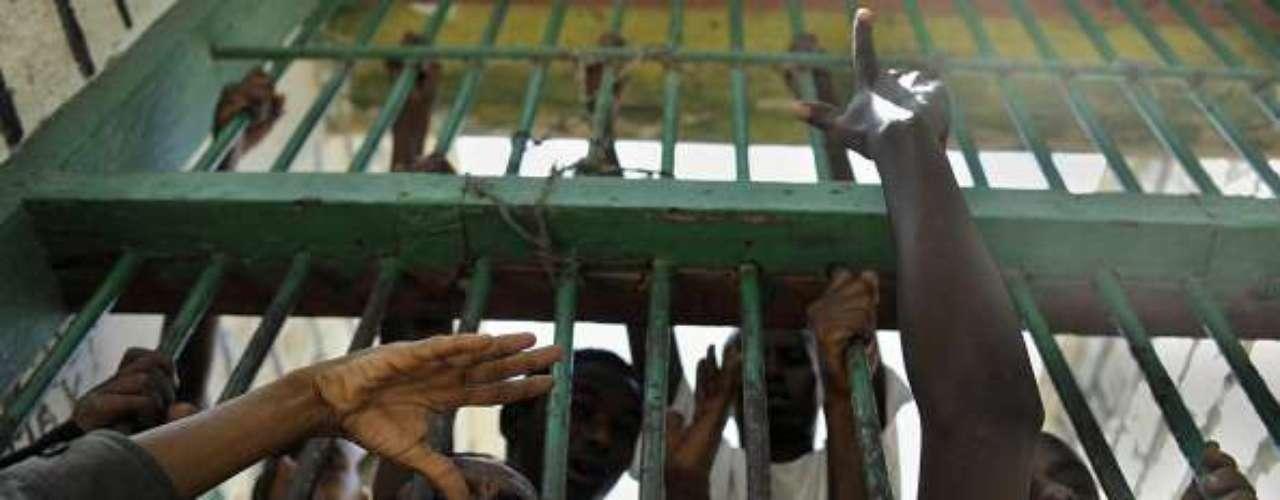 Más de 3.000 prisioneros sufren condiciones \