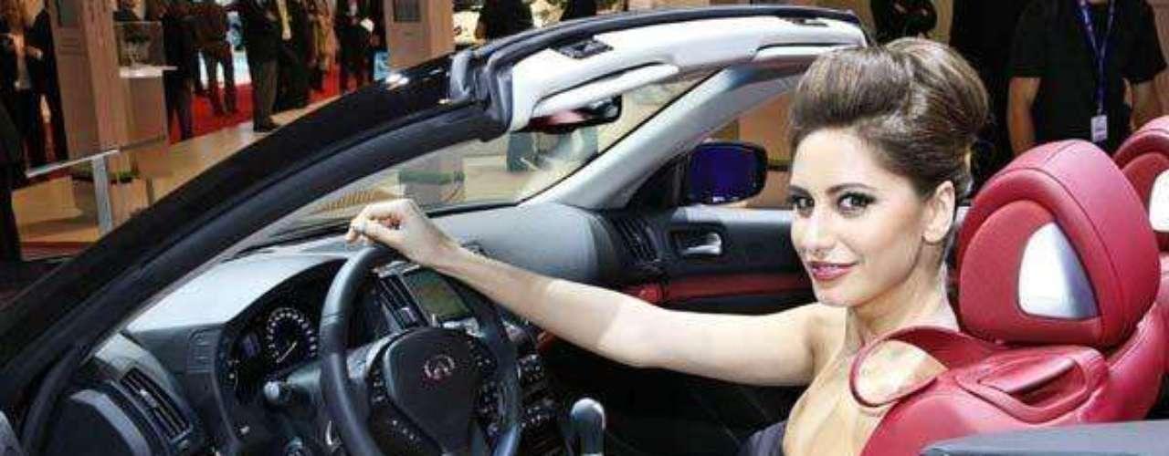Fotos Chicas del Motor Show de París 2012
