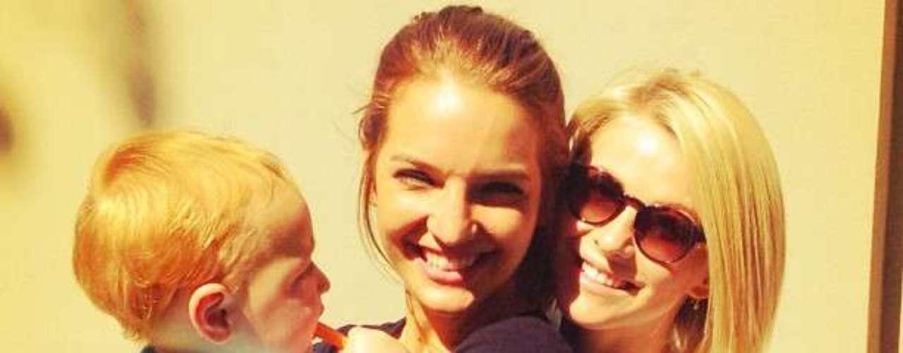 La novia de Ryan Secreast de 24 años de edad, publicó una serie de fotos de su página de Twitter con el hijo de su hermana Quaid Sheree