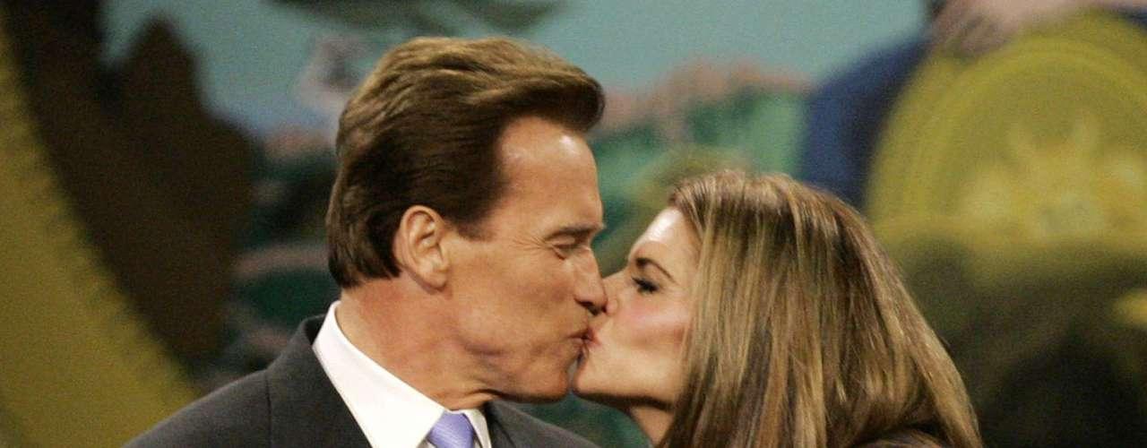 La razón según reportaron los medios estadounidenses es que Shriver no podía soportar la idea del divorcio por motivos religiosos y Schwarzenegger ha dicho a gente cercana que se ha dado cuenta del error que cometió.