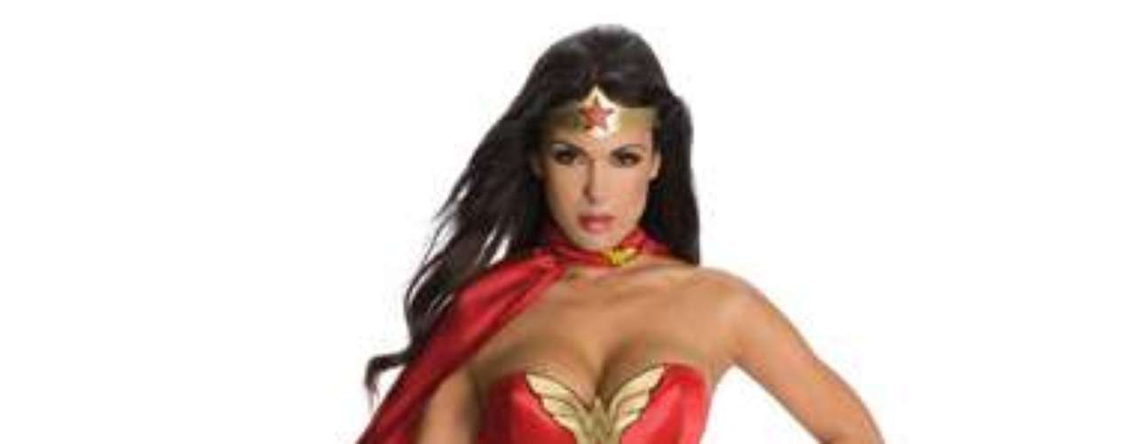 Wonder Woman es una princesa del Amazonas  cuya misión es llevar los ideales del amor, la paz y la igualdad sexual en el mundo. Ten toda la  acción cuando  llega a la fiesta en este super sexy traje de súper héroe.