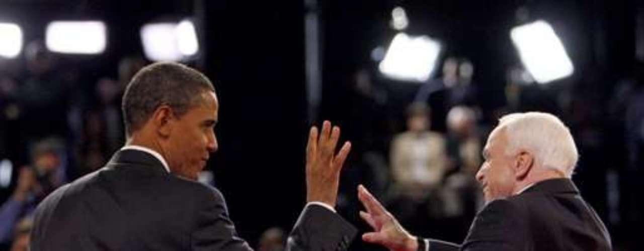 Barack Obama ya demostró ser un excelente orador. En su primera prueba de fuego, cuando enfrentó a John McCain en 2008 casi como un inexperto, logró sobrepasar la prueba con firmeza y soltura. Ahora demuestra todo su potencial en cada discurso político que enfrenta. En las próximas semanas, Obama se enfrentará a Mitt Romney para tratar de desequilibrar lo que hasta ahora, parece estar muy parejo.