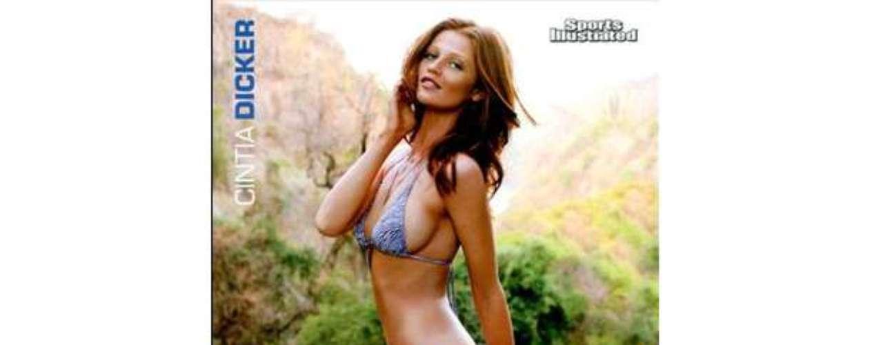 Cintia es una de las favoritas de Sports Illustrated ya que su silueta se ha visto en la portada desde 2009.