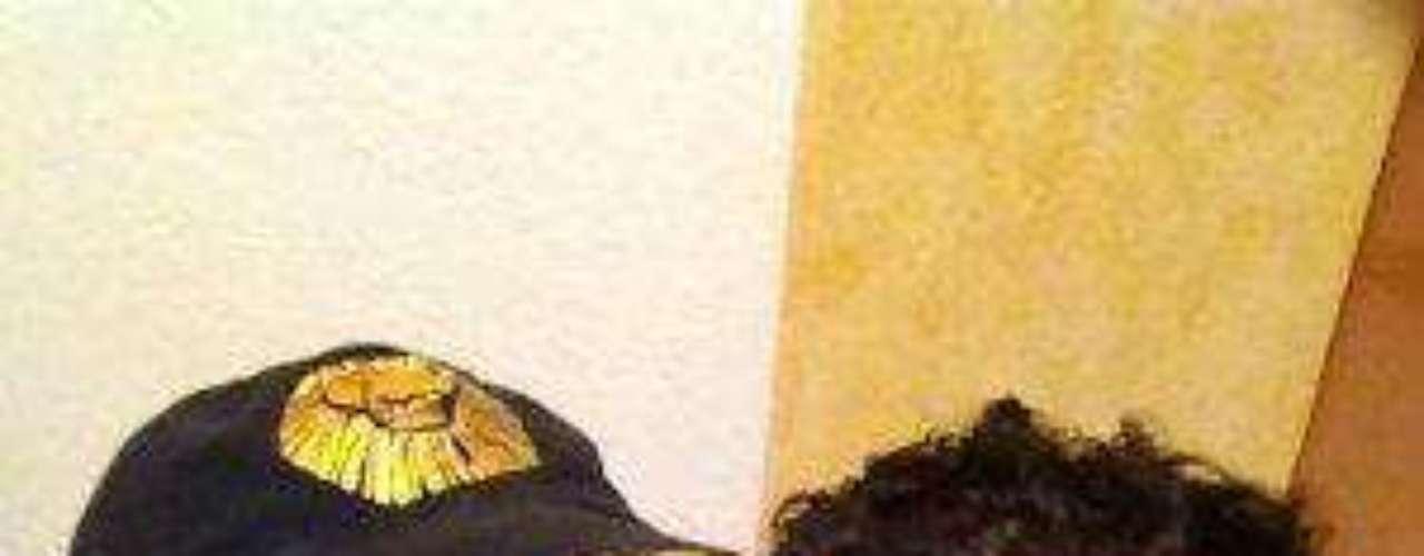 Opina: ¿Crees que la unión entre Cynthia Klitbo y el escultor David Gerstein durará hasta que la muerte los separe?Cynthia Klitbo ¡se casó por cuarta vez!¿Triste realidad? Las estrellas sin maquillajeLatinas: Las novias más despampanantes del espectáculoMalditas villanas... ¡despiadadas asesinas!