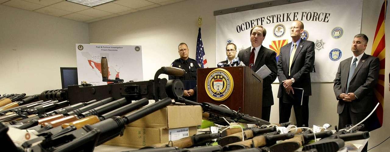 Este operativo puesto en práctica por la Agencia de Tabaco, Alcohol y Armas de Fuego (ATF) de EE.UU. permitió la compra de más de 2 mil armas con un valor de cerca de 1,5 millones de dólares por parte de bandas criminales de mexicanos, y muchas de las cuales aún no se han recuperado.