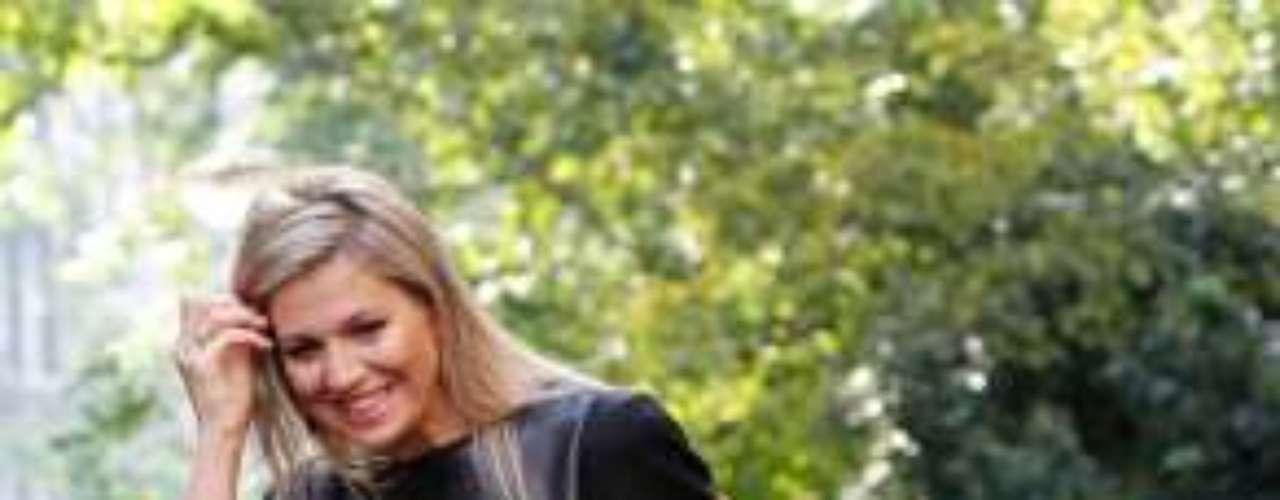 La esposa del príncipe Guillermo de Holanda lució ayer un vestido que estrenó hace ya dos años, demostrando que, al igual que otras royals europeas, ella también sabe cómo reciclar y reutilizar su fondo de armario.