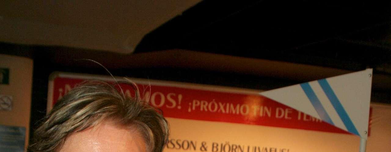 Inclusive se sabe que cuando doña Yolanda contrajo nupcias con Ernesto Sodi, mandó a vivir a Laura con su abuela doña Eva Mange, dando a entender que no quería que viviera con su pareja ni que conviviera con sus hermanas.