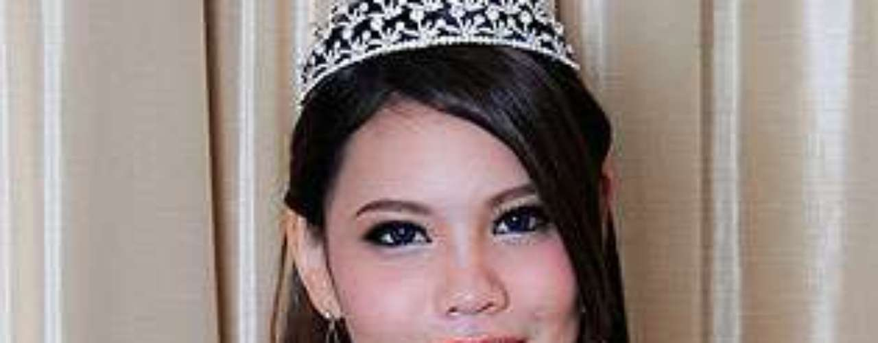 Miss Malasia- Mei Xian Teng. Tiene 22 años de edad y mide 1.80 metros de estatura.