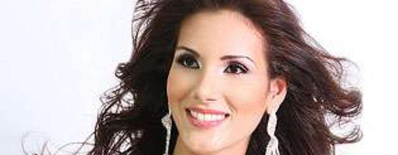 Miss Panamá - Karen Jordán Beitia.  Tiene 23 años de edad y mide 1.75 metros de estatura.