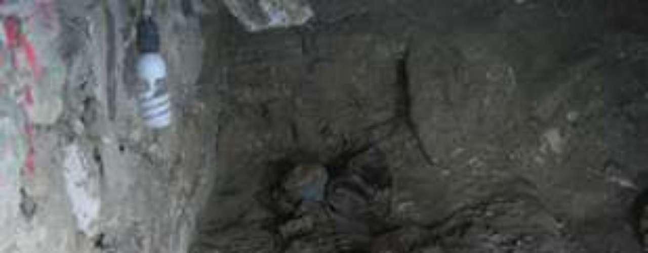 El gobierno de Guatemala anunció el jueves el hallazgo de una tumba de una reina maya, la cual expertos creen pudiese pertenecer a la guerrera suprema de la época clásica maya, Kalomt*e K*abel, en el sitio arqueológico del norte del país y cerca de la frontera con México.