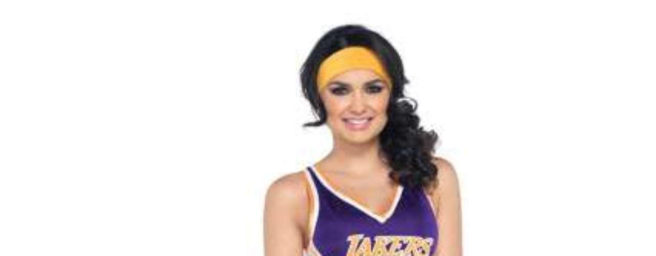 Atención amantes de los Lakers! La sensual chica con el traje de los LA Lakers: ¡Prepárate para enfrentarla, a  dar lo mejor de ti el día de Halloween !
