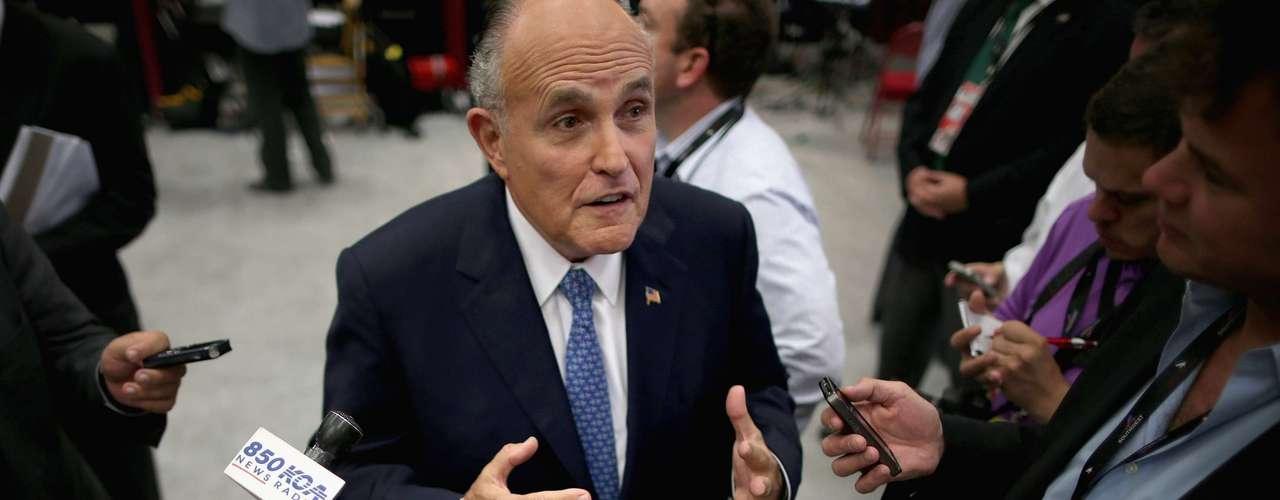 Los líderes republicanos, como el legislador por Florida, Mario Díaz-Balart, y el exalcalde de Nueva York, Rudy Giuliani (foto), afirmaron que \