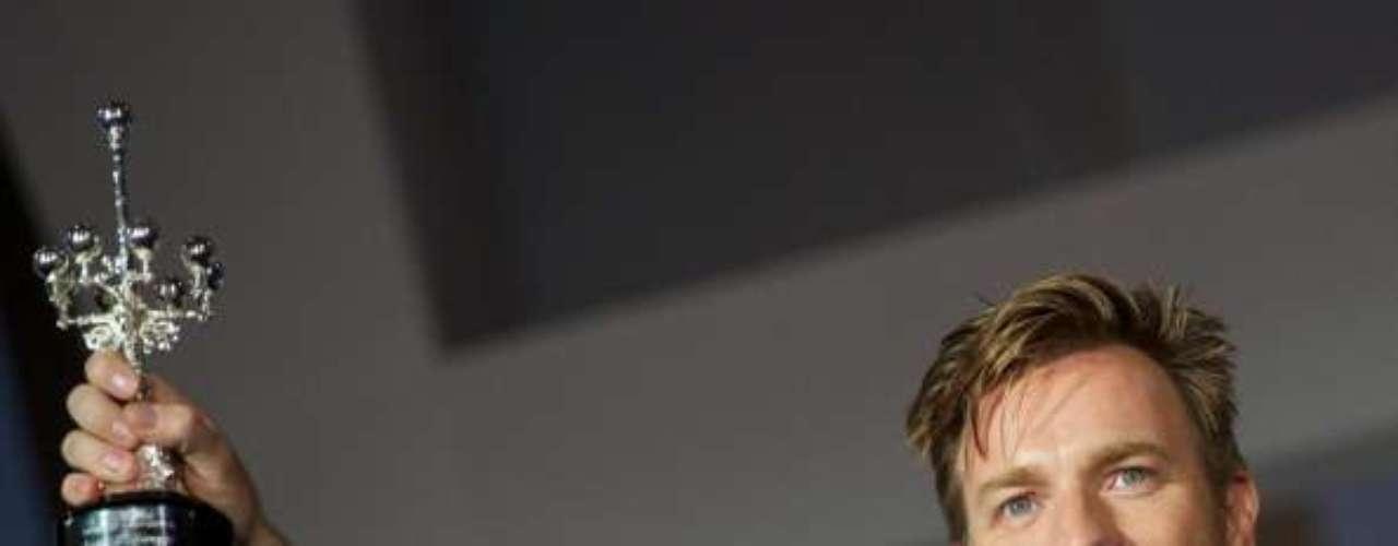 El escocés Ewan McGregor no tiene problema alguno para quitarse la ropa en la gran pantalla. El protagonista de 'Moulin Rouge' ofreció sendos desnudos integrales en 'The Pillow Book' y 'Young Adam'.