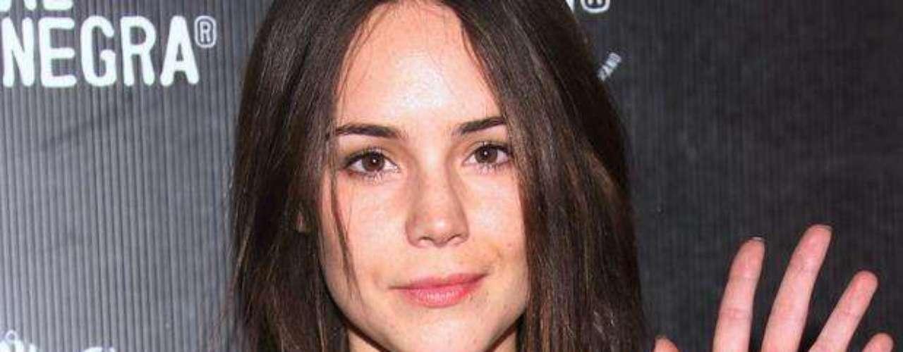 Camila Sodi ha salido en defensa de las hermanas Sodi, al utilizar las redes sociales para enfrentar a la actriz Laura Zapata por las recientes declaraciones en las que ataca a Thalía y a su mamá. \