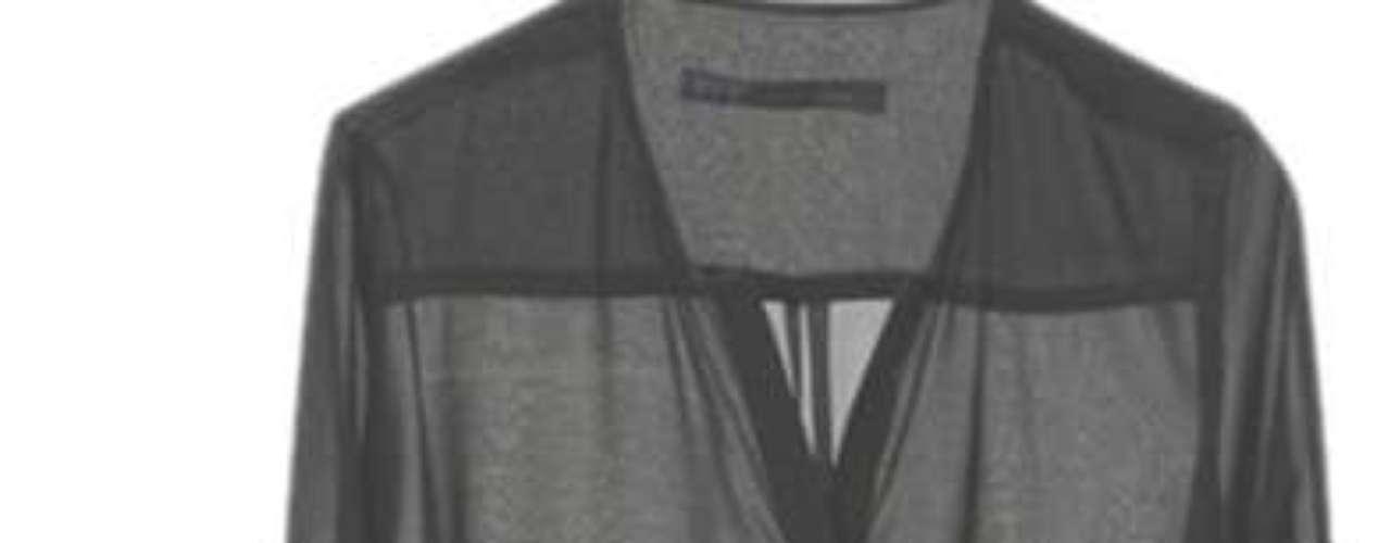 Las blusas con trasparecías son ideales para una cena de trabajo o un evento nocturno, te darán un aire elegante y sofisticado.
