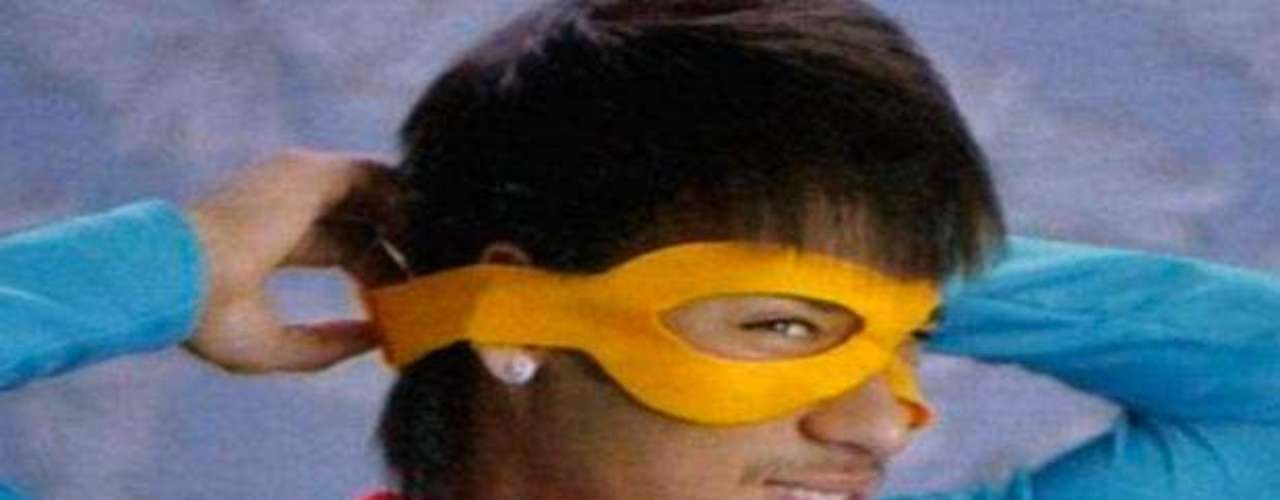 Neymar, although he has a lot of  talent on the field, uses his off hours to be a superhero.