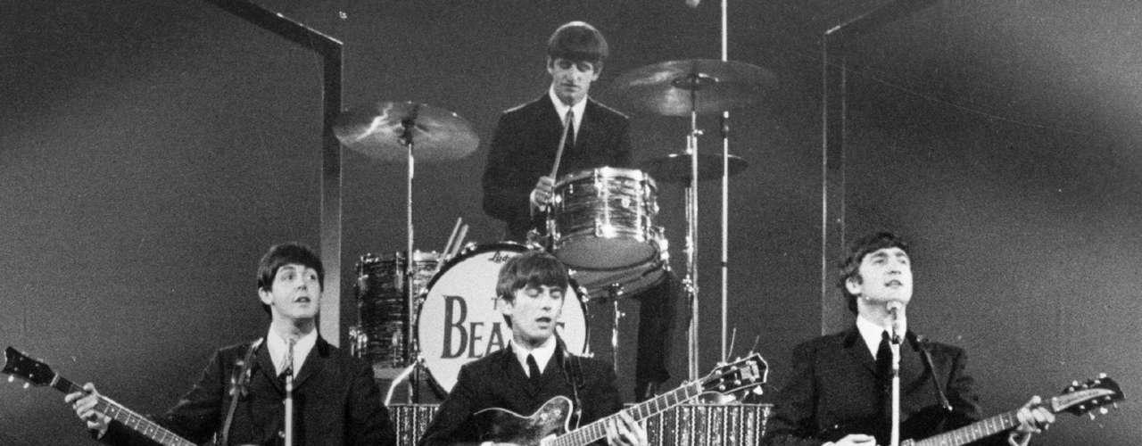 Paul McCartney, George Harrison, John Lennon (al frente) y Ringo Starr (al fondo) ayudaron a definir las vivencias de más de una generación a través de su música.