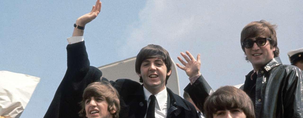 El 9 de febrero de 1964, The Beatles se presentó por primera vez ante el público de los Estados Unidos en el 'Ed Sullivan Show'. Este suceso marcó un punto de inflexión en la carrera de The Beatles.
